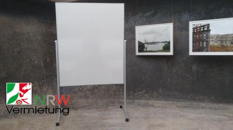 Moderationswand / Stellwand weiss (Magnetische Design Funktionswand) im Hoch/-Querformat für 55 € mieten